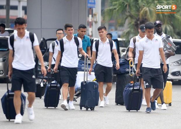 Quang Hải và đồng đội hành xác gần 2 vạn cây số trên trời để đá bán kết lượt về AFC Cup 2019 - Ảnh 2.