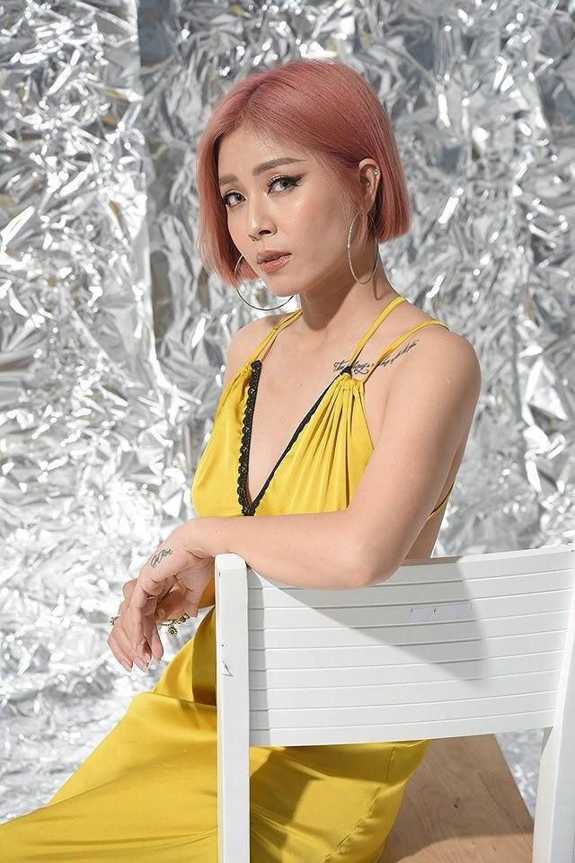 Loạt ảnh sexy mới của MC Hoàng Linh gây tranh cãi - Ảnh 7.