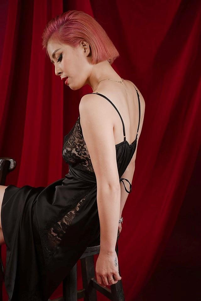 Loạt ảnh sexy mới của MC Hoàng Linh gây tranh cãi - Ảnh 8.