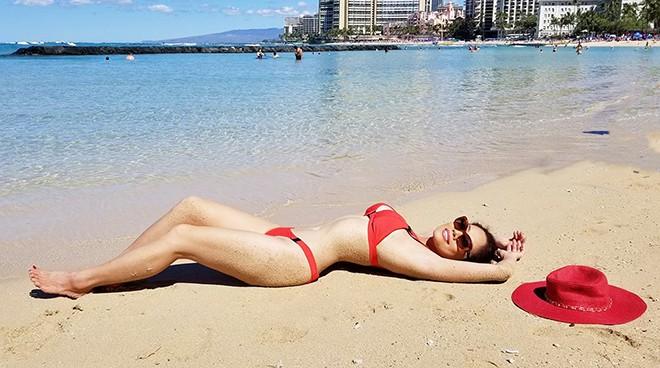 Nữ ca sĩ Việt từng có 3 đời chồng tung loạt ảnh bikini gợi cảm ở tuổi 46 - Ảnh 2.