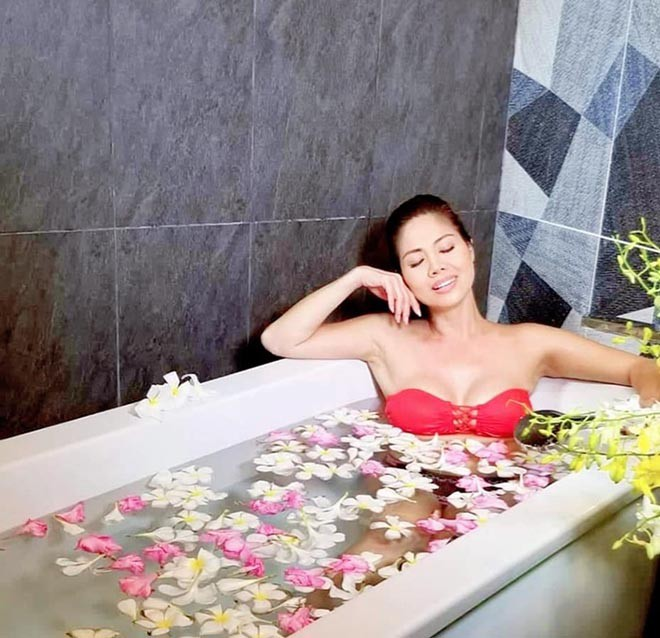 Nữ ca sĩ Việt từng có 3 đời chồng tung loạt ảnh bikini gợi cảm ở tuổi 46 - Ảnh 6.