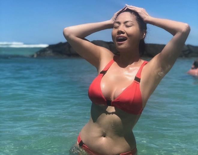 Nữ ca sĩ Việt từng có 3 đời chồng tung loạt ảnh bikini gợi cảm ở tuổi 46 - Ảnh 3.