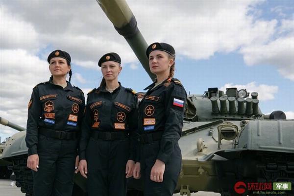 Ấn tượng kíp lái xe tăng nữ đầu tiên của Nga tại Tank Biathlon 2019 - Ảnh 10.