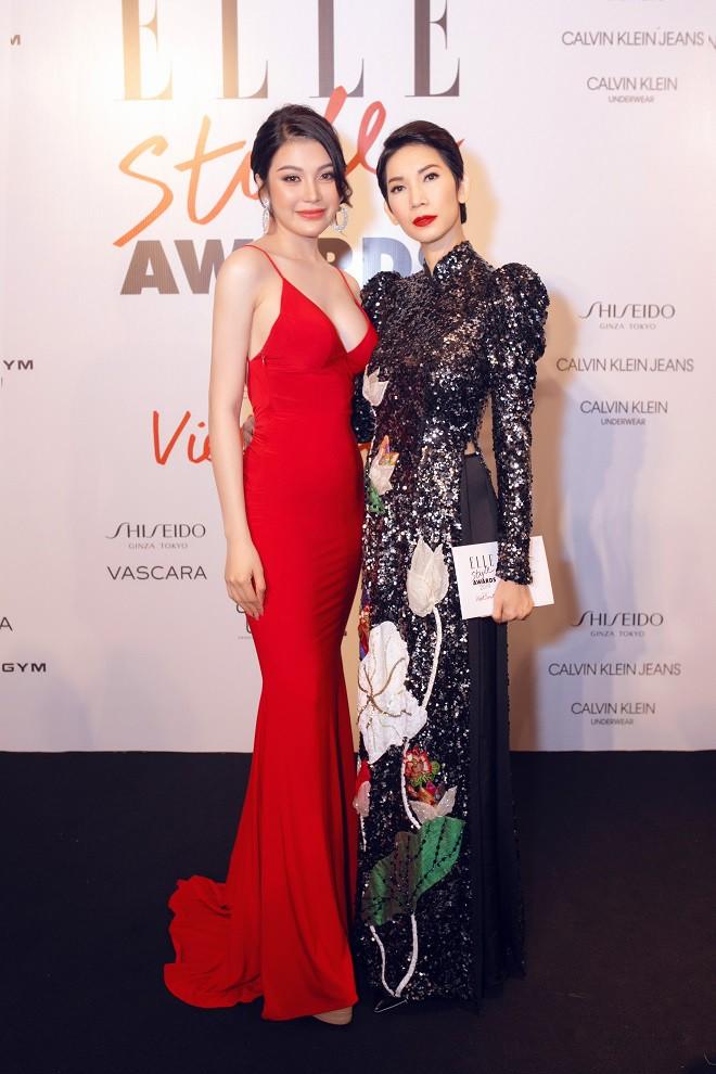 Á quân Tình Bolero 2019 Lily Chen khoe body đồng hồ cát gợi cảm - Ảnh 4.