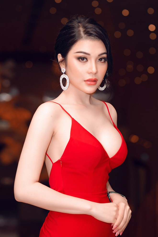 Á quân Tình Bolero 2019 Lily Chen khoe body đồng hồ cát gợi cảm - Ảnh 3.