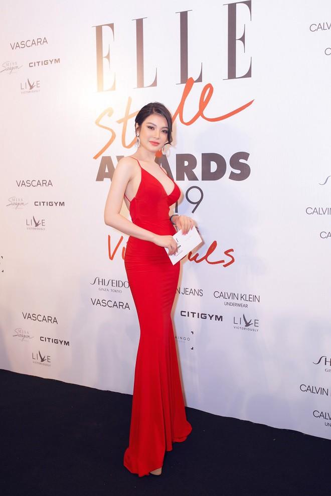 Á quân Tình Bolero 2019 Lily Chen khoe body đồng hồ cát gợi cảm - Ảnh 6.