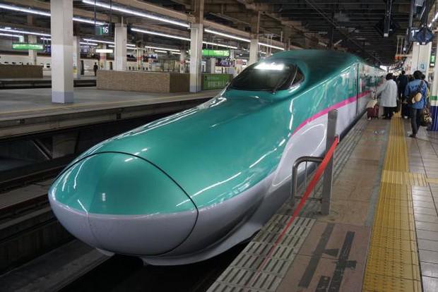 Tàu cao tốc Nhật Bản quên đóng cửa khi chạy với vận tốc 280 km/h - Ảnh 1.