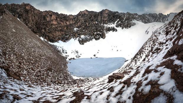 Bí ẩn rùng rợn của hồ nước cứ hè đến là hàng trăm bộ xương người lộ ra, khoa học chịu bó tay suốt hàng chục năm trời - Ảnh 6.