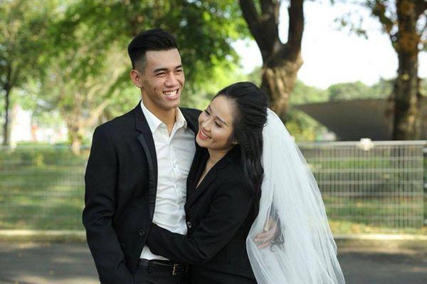 Sau hứa hẹn cưới nhau, trò cưng HLV Park chia tay cô giảng viên múa nóng bỏng - Ảnh 2.