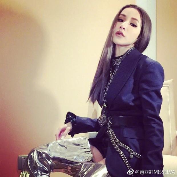Choáng: Diva xứ Đài Tiêu Á Hiên sinh nhật tuổi 40 công khai bạn trai sinh năm 1995, tình sử thích yêu phi công kém cả giáp - Ảnh 13.