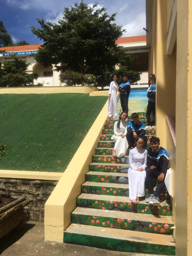 Phạt nhóm học sinh sơn cầu thang, sản phẩm của các em khiến nhà trường quyết đầu tư lớn - ảnh 7