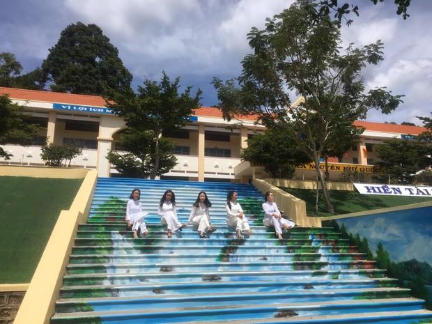 Phạt nhóm học sinh sơn cầu thang, sản phẩm của các em khiến nhà trường quyết đầu tư lớn - ảnh 8