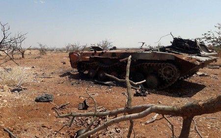 Chùm ảnh quân Assad đánh cho kẻ thù thua tan tác ở chiến trường khốc liệt Syria - Ảnh 4.