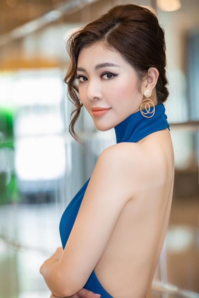 Hoa hậu Thiên Hương khoe da trắng, lưng trần quyến rũ - Ảnh 2.