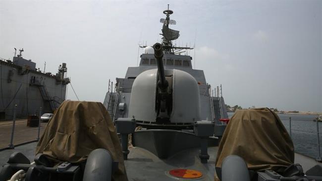 NÓNG: Khu trục hạm Iran chất đầy tên lửa hành trình xuất kích hộ tống tàu chở dầu - Ảnh 1.