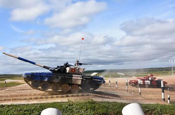 Vì sao xe tăng đội Việt Nam đạt tới vận tốc 74km/h ở Army Games? - Ảnh 2.