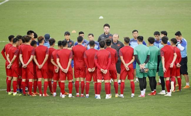 HLV Park Hang-seo chính thức chia quân làm nhiệm vụ ở tuyển Việt Nam và U.22 - Ảnh 1.