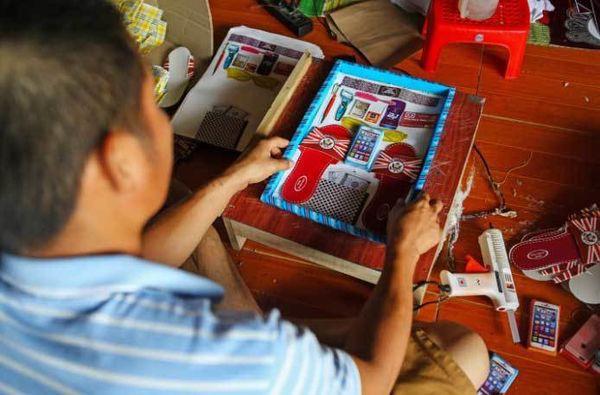Báo Tây sửng sốt vì đồ xa xỉ dành cho các vong hồn ở Việt Nam - Ảnh 2.