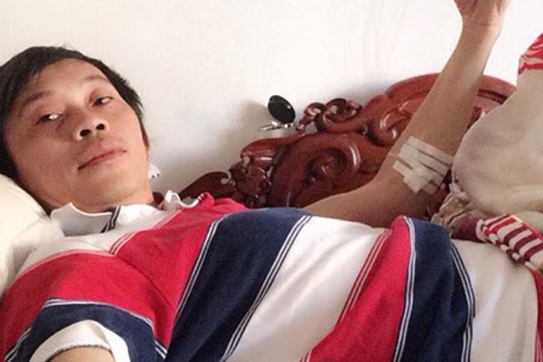 Cuộc sống ít biết của Hoài Linh khi vắng bóng trên gameshow truyền hình - Ảnh 2.