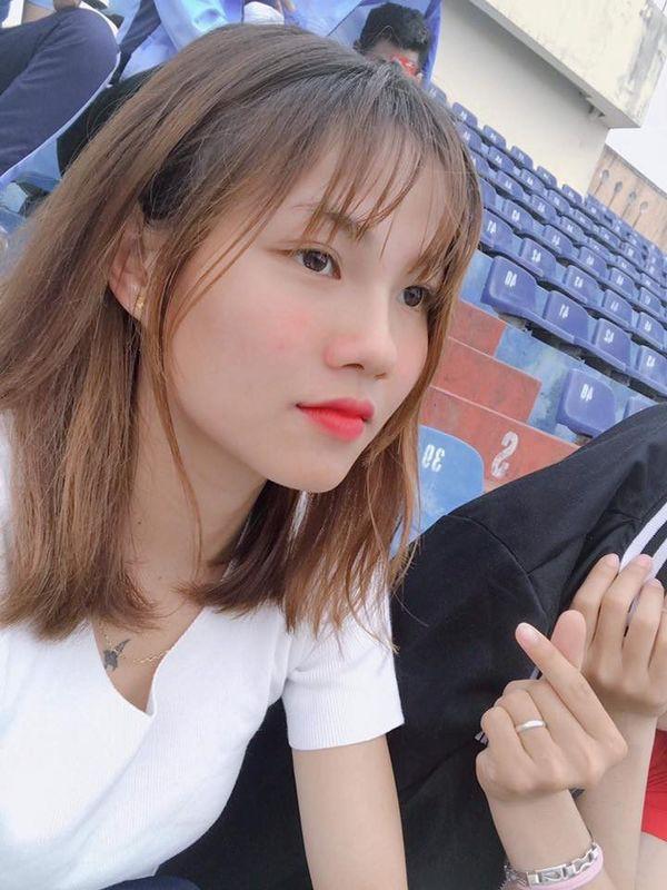 Ngắm hoa khôi tuyển nữ Việt Nam trong ngày vô địch Đông Nam Á - Ảnh 2.