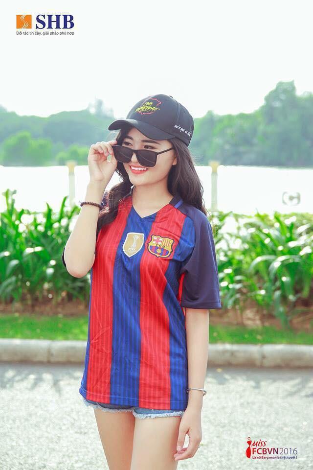 Á khôi fan Barca biến tình yêu bóng đá thành công việc trong mơ tiếp lửa cho cầu thủ Việt - Ảnh 3.