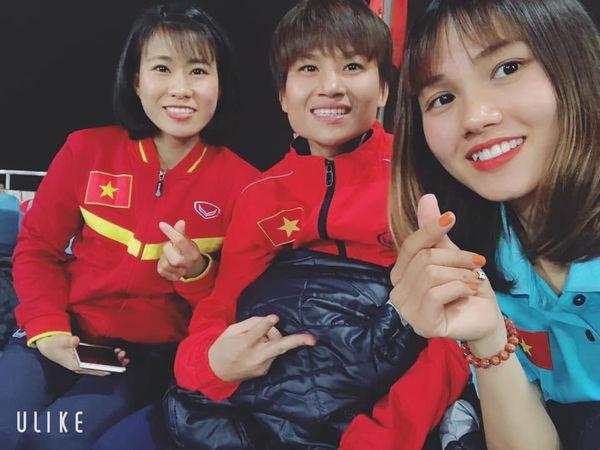 Ngắm hoa khôi tuyển nữ Việt Nam trong ngày vô địch Đông Nam Á - Ảnh 5.
