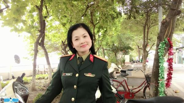 NSND Thu Quế: Người phụ nữ Hà thành lạc lõng cổ hủ và cuộc hôn nhân bên chàng diễn viên áo lính - Ảnh 2.