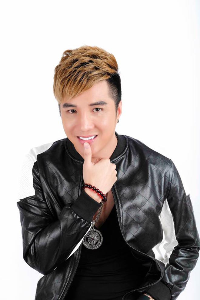 Danh tính nữ ca sĩ gợi cảm, yêu Lâm Chấn Khang 17 năm mới cưới - Ảnh 1.
