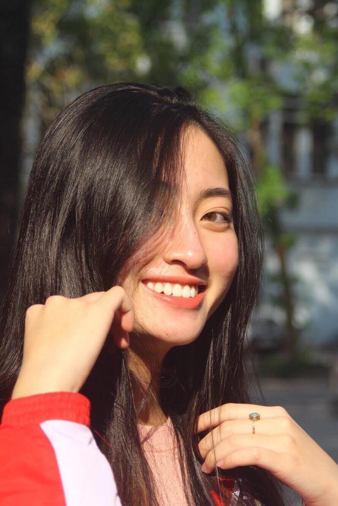 Lộ ảnh mặt mộc của tân Hoa hậu thế giới Việt Nam 2019 - Ảnh 8.