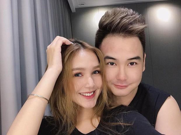 Những couple chú - cháu siêu đáng yêu: Đỉnh nhất là streamer giàu nhất Việt Nam Xemesis, hơn bạn gái tận 13 tuổi! - Ảnh 1.