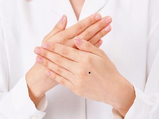 Xem 5 vị trí nốt ruồi, có thể đoán biết hôn nhân của người phụ nữ có bền lâu hay không - Ảnh 1.