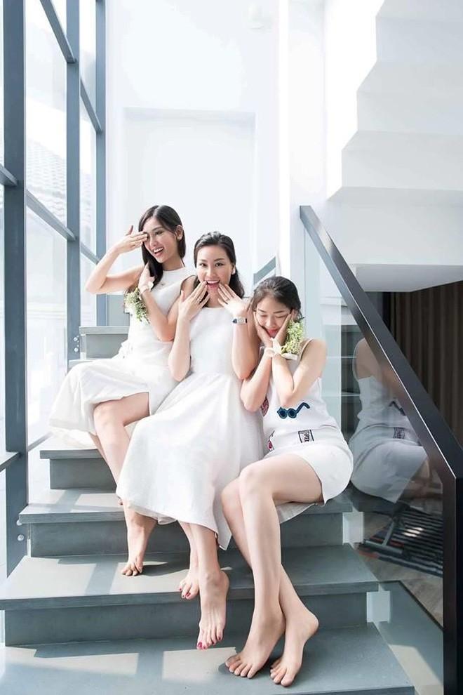 Nhà có 3 nàng tiên phiên bản hot girl Việt: Xinh đẹp đã là gì, thi hoa hậu rồi học vấn thạc sĩ, tiến sĩ có đủ luôn - Ảnh 10.