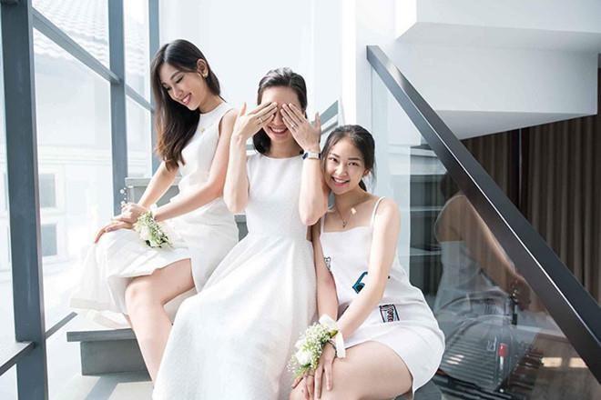 Nhà có 3 nàng tiên phiên bản hot girl Việt: Xinh đẹp đã là gì, thi hoa hậu rồi học vấn thạc sĩ, tiến sĩ có đủ luôn - Ảnh 11.