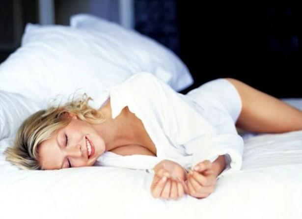 Bạn thường nằm ngủ với tư thế nào? Tư thế ngủ bộc lộ bí mật của bạn - ảnh 3