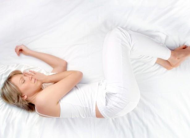 Bạn thường nằm ngủ với tư thế nào? Tư thế ngủ bộc lộ bí mật của bạn - ảnh 2