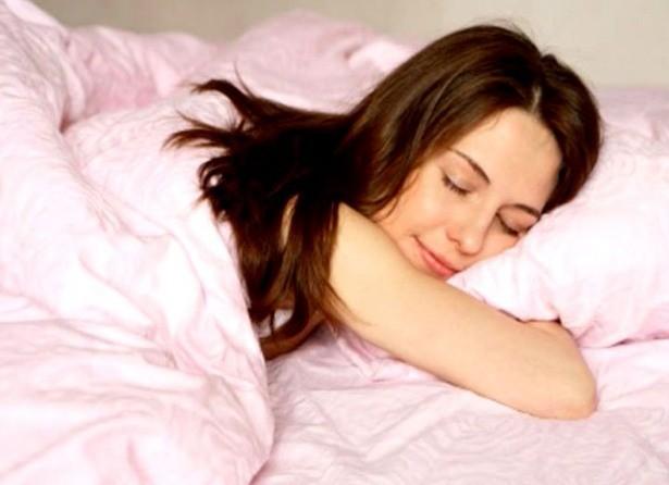 Bạn thường nằm ngủ với tư thế nào? Tư thế ngủ bộc lộ bí mật của bạn - ảnh 6