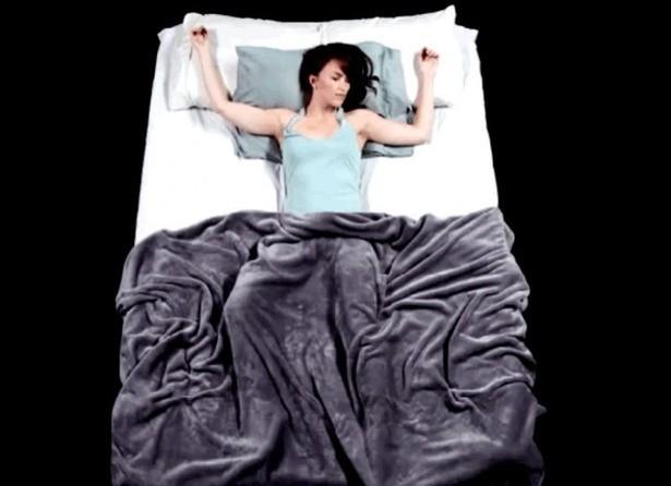 Bạn thường nằm ngủ với tư thế nào? Tư thế ngủ bộc lộ bí mật của bạn - ảnh 7