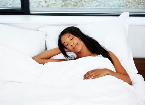 Bạn thường nằm ngủ với tư thế nào? Tư thế ngủ bộc lộ bí mật của bạn - ảnh 8