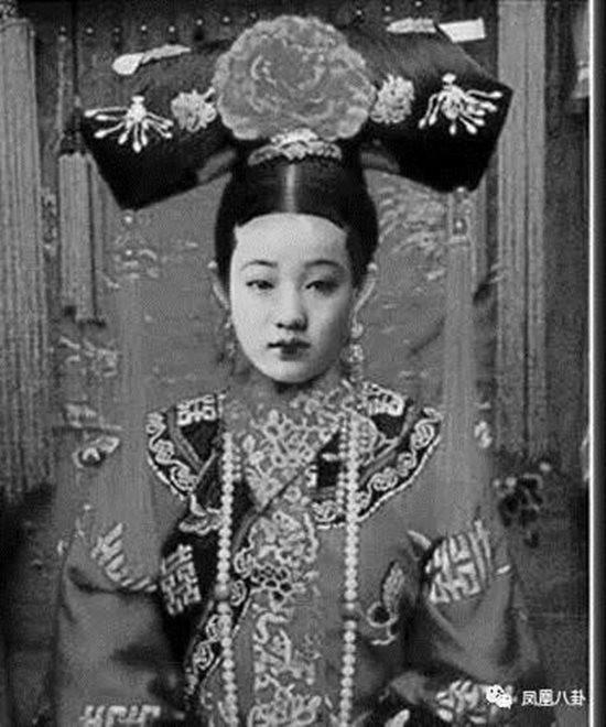 Sủng phi của hoàng đế Quang Tự - Trân Phi sở hữu nhan sắc nổi bật nhất.