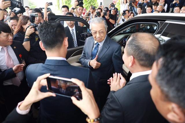 Chủ tịch Vingroup tiết lộ tốc độ gây sốc của Thủ tướng 94 tuổi lái xe Vinfast: 120 km/h - Ảnh 3.