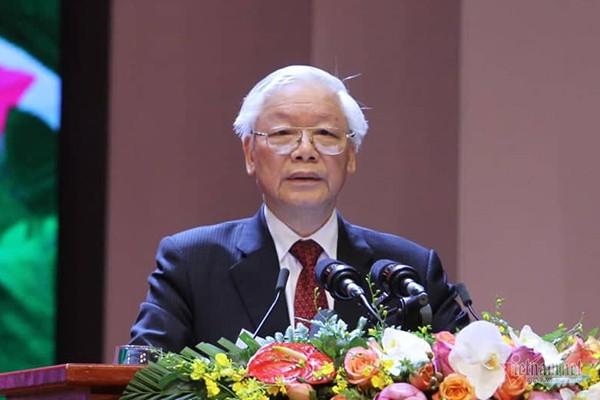 Tổng bí thư, Chủ tịch nước đọc thơ Tố Hữu nghẹn ngào nhớ Bác - Ảnh 2.
