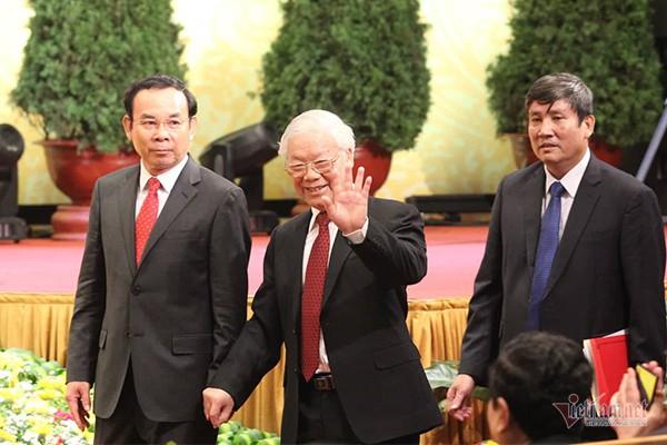 Tổng bí thư, Chủ tịch nước đọc thơ Tố Hữu nghẹn ngào nhớ Bác - Ảnh 4.