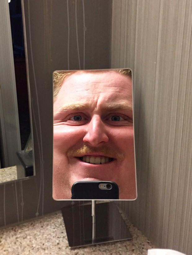 Những chiếc gương thần theo phong cách chả hiểu sao khiến bạn không muốn bước chân vào nhà vệ sinh lần nào nữa - Ảnh 12.