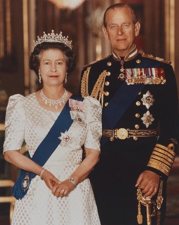 6 nhân vật của hoàng tộc bất ngờ từ bỏ địa vị cao quý: Người hạnh phúc, nhưng cũng có người gần như mất tất cả - Ảnh 3.