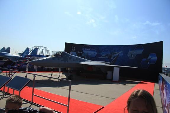 Nga sẵn sàng sản xuất hàng loạt máy bay Su-57 - Ảnh 2.