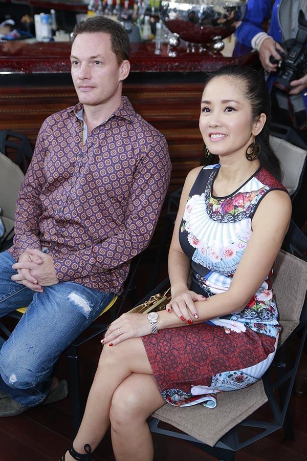 Chồng cũ của diva Hồng Nhung chuẩn bị đón con đầu lòng với vợ đại gia - Ảnh 4.
