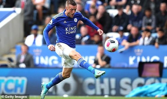 Man City hủy diệt đối thủ để soán ngôi đầu, Chelsea sẩy chân tai hại ngay Stamford Bridge - Ảnh 3.