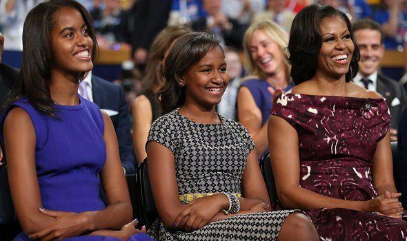 Bà Michelle tiết lộ Obama là người cha tuyệt vời: Anh ấy đi họp phụ huynh đều đều - Ảnh 1.