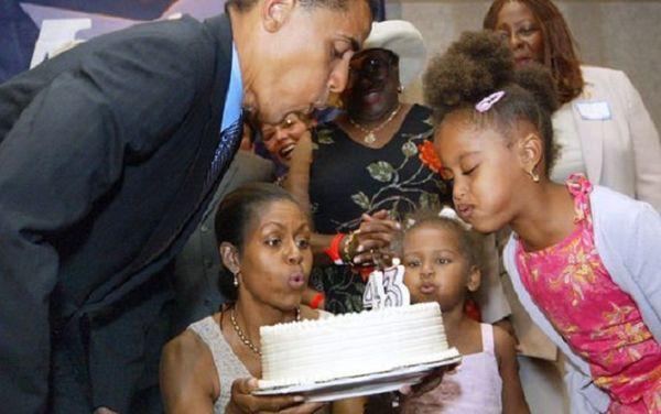 Bà Michelle tiết lộ Obama là người cha tuyệt vời: Anh ấy đi họp phụ huynh đều đều - Ảnh 2.