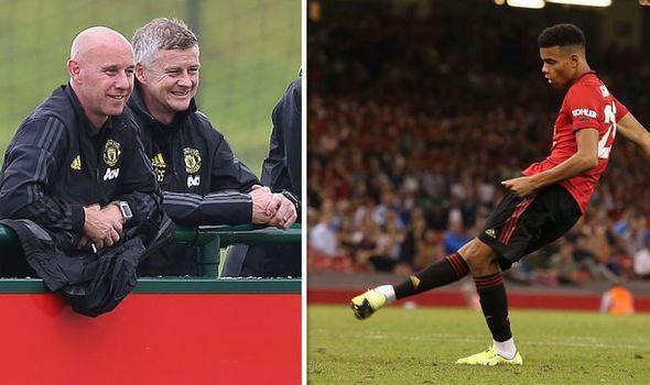 Trẻ hóa Man United: Bước đi kế thừa Sir Alex hay một sai lầm trong tuyệt vọng của Solskjaer? - Ảnh 3.